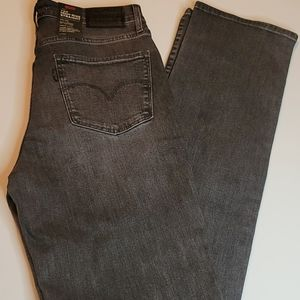 Levi's 724 High-Rise Straight Stretch Jeans 28